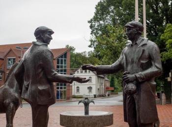 Statuen am Brunnen