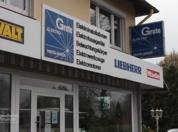 Firmengebäude von vorne