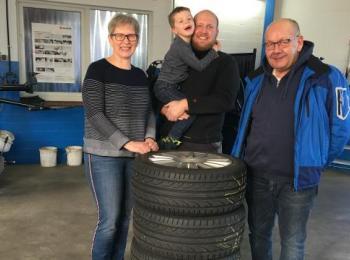 Betriebsleiter des Autohauses Jech mit Familie