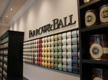 Wand mit Farbmustern