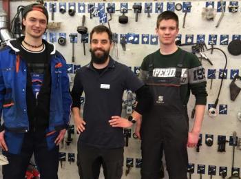 3 Mitarbeiter in der Werkstatt