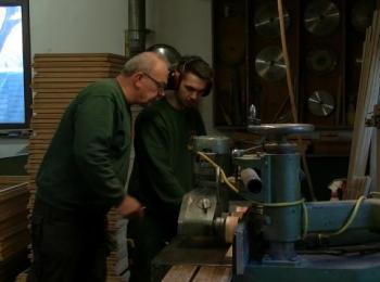Arbeit in der Werkstatt an Maschine