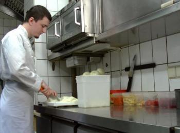 Küche mit Koch